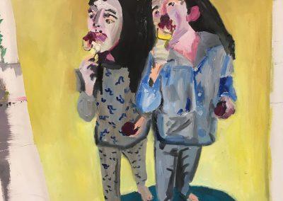 Clara et Milly en train de manger une glace